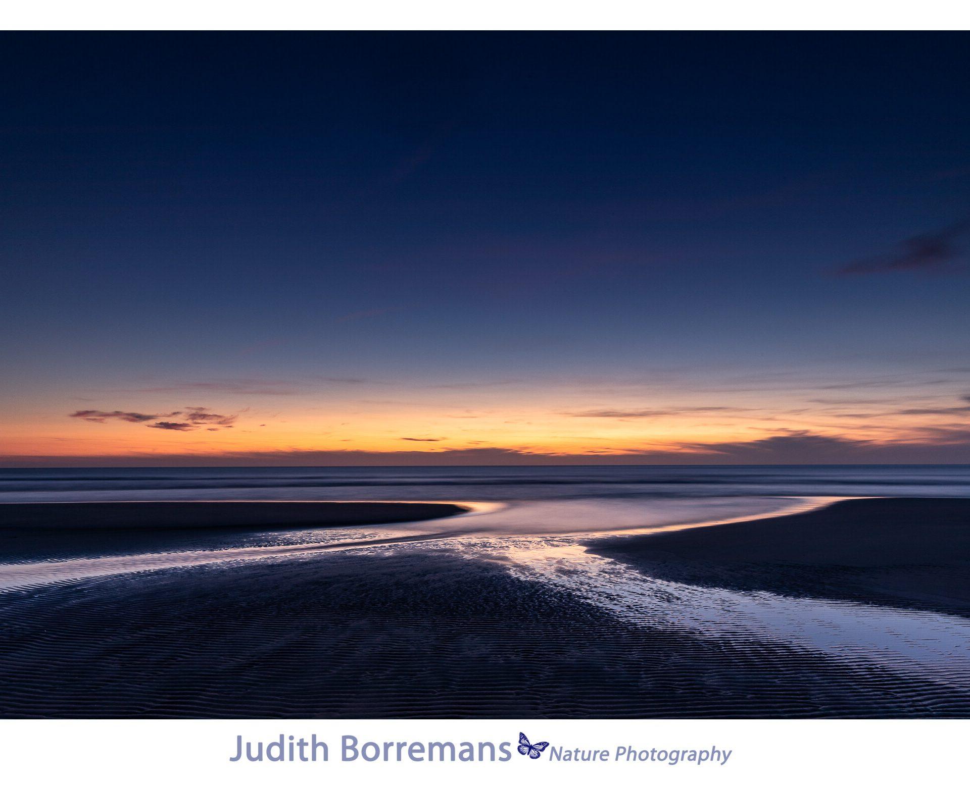 Zonsondergang Vanaf Het Strand In Zeeland Bij Vrouwenpolder